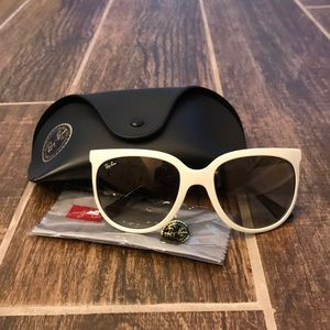 Women's Ray Ban CATS 1000 Like New!!!